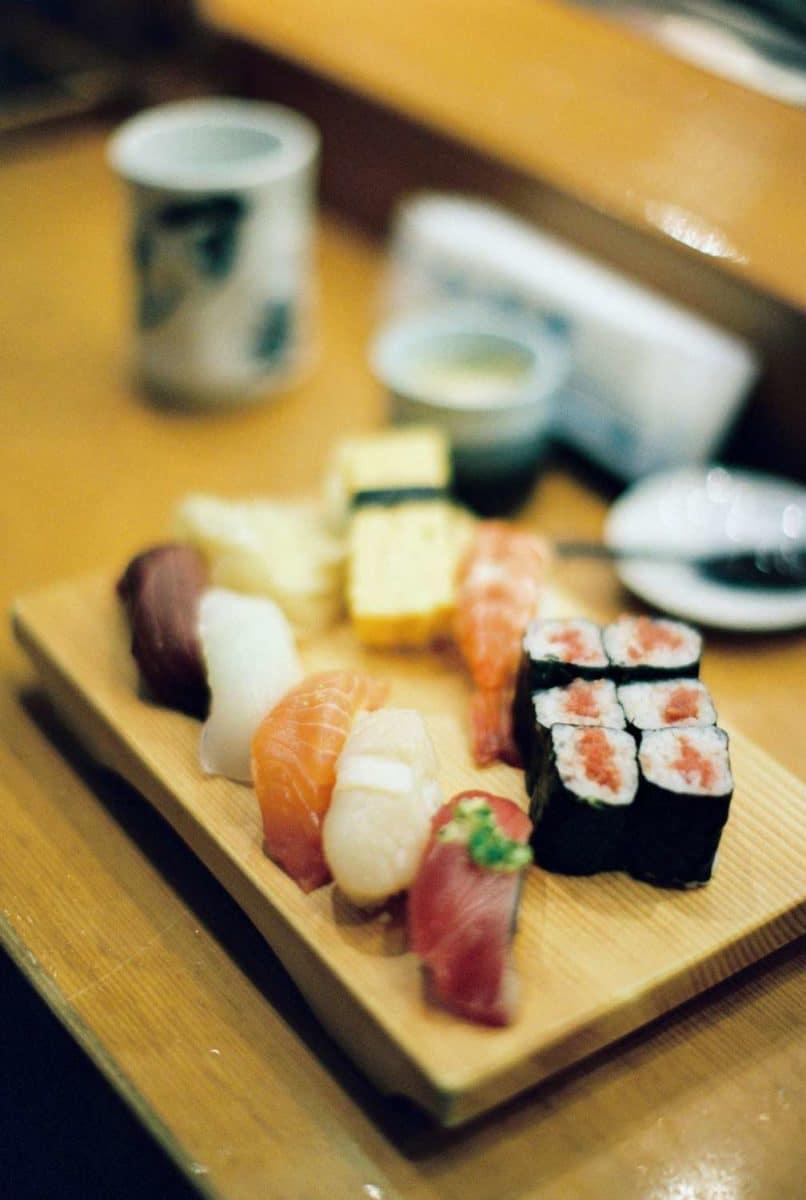 véritable sushi japonais à Tokyo