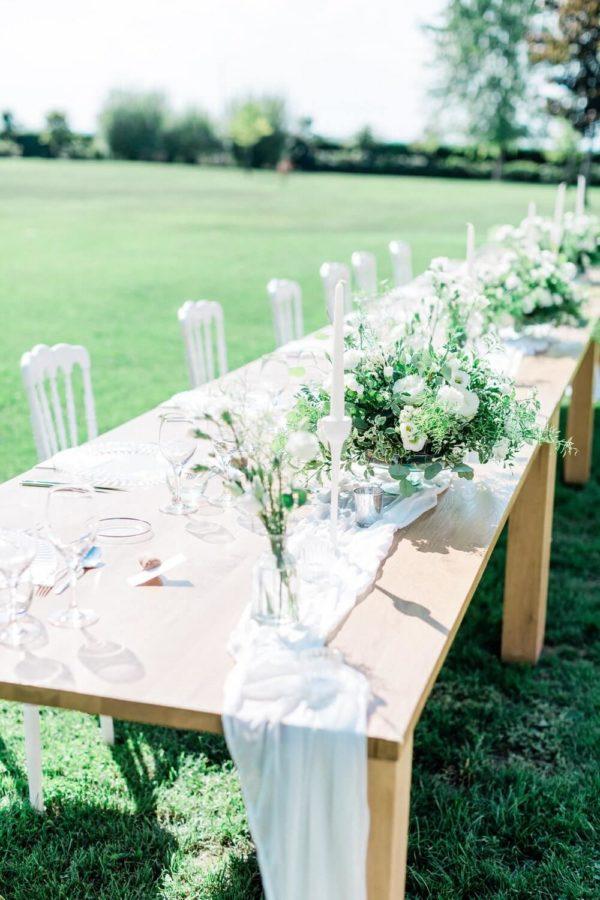 table wedding at chateau de varennes