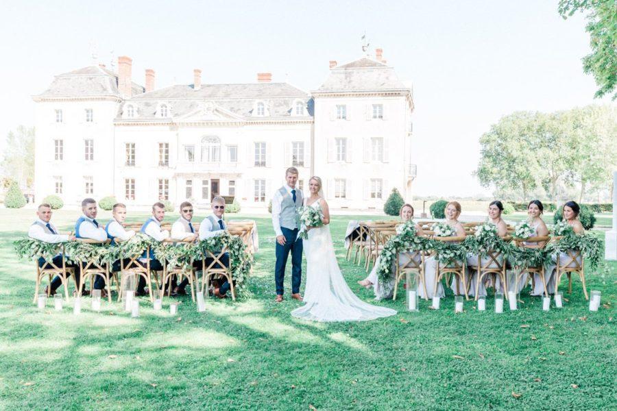 photo de groupe devant le chateau de varennes
