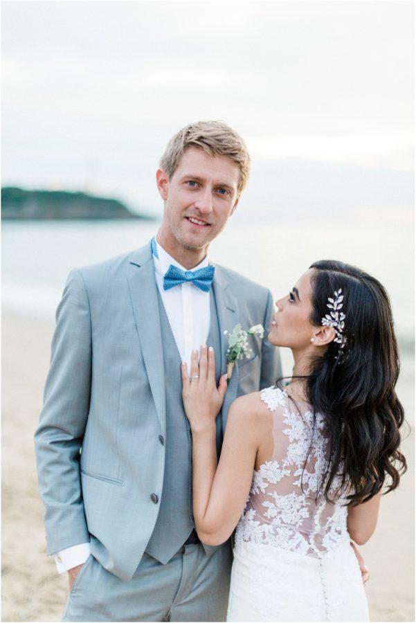 portrait du marié en bord de mer à biarritz