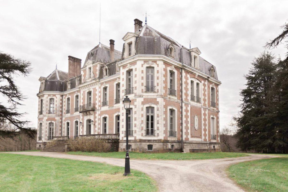 facade au château de la baronnie