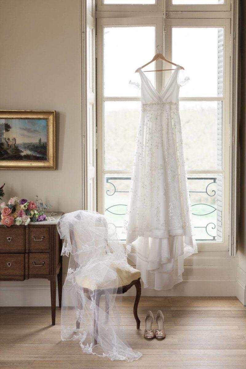 robe de mariée au château de la baronnie